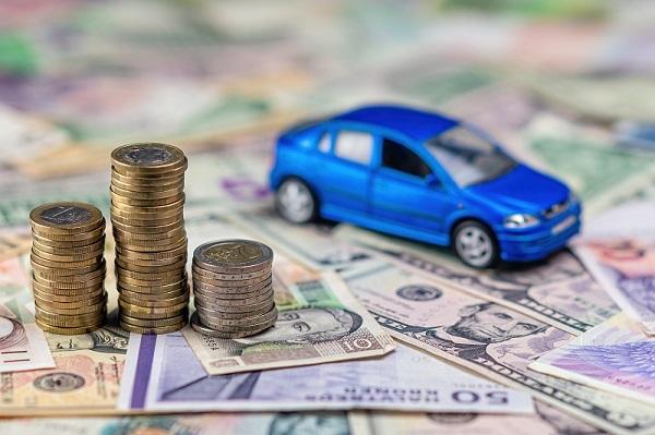 إذا كنت ترغب في تجنب أقساط التأمين العالية الأفضل شراء سيارة اقتصادية