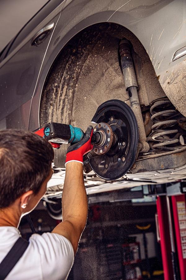 المنحنيات الموجودة فوق إطارات سيارتك معرضة للصدأ خاصة في السيارات القديمة