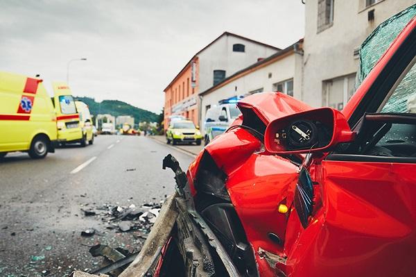 افتعال حوادث سير للحصول على تعويض التأمين