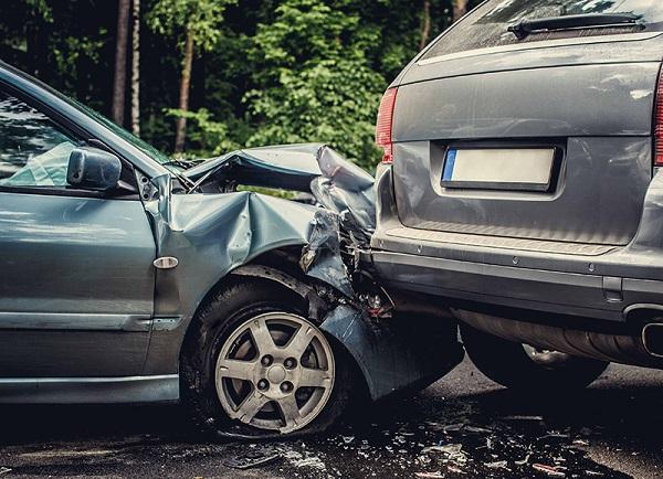 تعتبر المركبة تالفة إن تجاوزت قيمة الأضرار فيها نسبة 50% من القيمة السوقية للمركبة