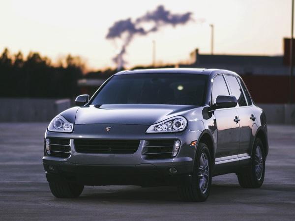 إذا اختارت الشركة عدم دفع بدل فوات المنفعة، فيجب عليها أن توفر مركبة بديلة مماثلة للمركبة المتضررة